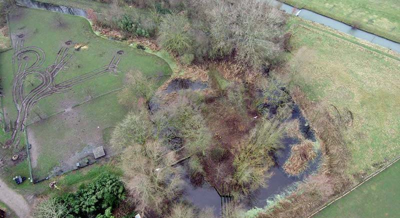 Drone boven Kasteel Wulven