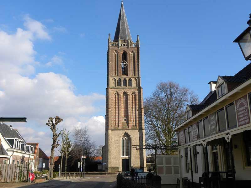 Kerk van Houten vanuit het westen